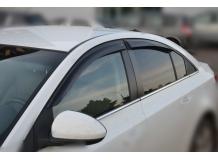 Дефлекторы окон Chevrolet Cruze /Седан, 2008+/. Ветровики Шевроле Круз [Cobra]