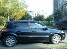 Дефлекторы окон Renault Megane II /Хэтчбек, 2002-2008/. Ветровики Рено Меган [Cobra]