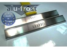 Накладки на пороги Mitsubishi Grandis I /2003-2012/. Накладки порогов Мицубиси Грандис [Alu-Frost]