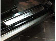 Накладки на пороги Mitsubishi Outlander I /2001-2008/. Накладки порогов Мицубиси Аутлендер [NataNiko]