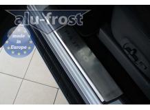 Накладки на пороги Mitsubishi Pajero IV /2006-2014/. Накладки порогов Мицубиси Паджеро [Alu-Frost]