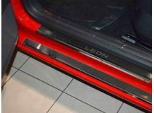 Накладки на пороги Seat Leon III (5F) /5D, 2012+/. Накладки порогов Сеат Леон [NataNiko]